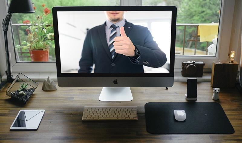 オンライン会議でのボス